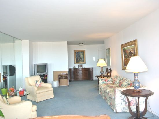 27010 Grand Central Pkwy APT 26H, Floral Park, NY 11005