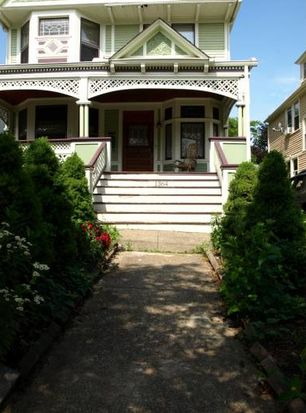 1364 Cook Ave, Lakewood, OH 44107