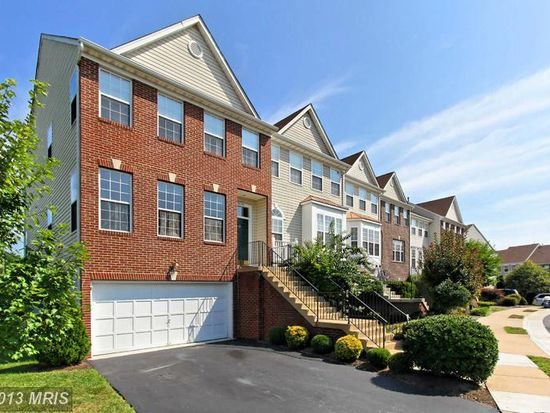 6140 Early Autumn Dr, Centreville, VA 20120