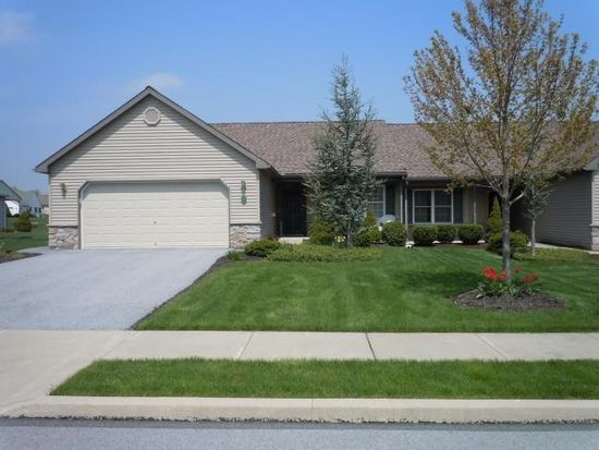 5 Greenbriar Dr, Myerstown, PA 17067