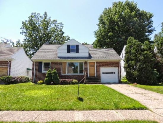 402 Halle Dr, Euclid, OH 44132