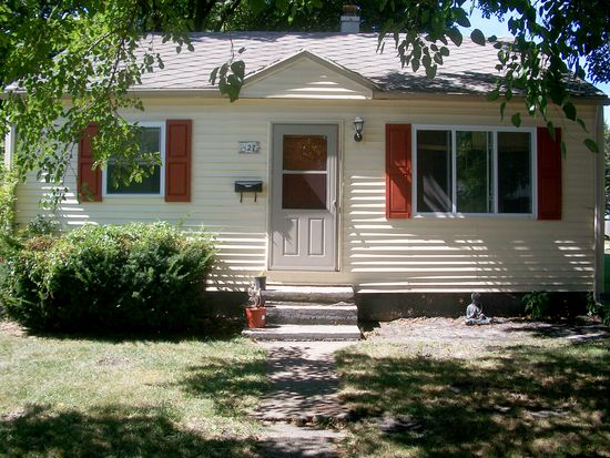 427 S Kenmore St, South Bend, IN 46619