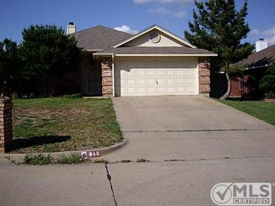 840 NW Park Meadow Ln, Burleson, TX 76028
