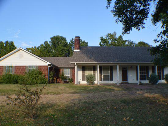 3405 Country Club Ln, Hope, AR 71801
