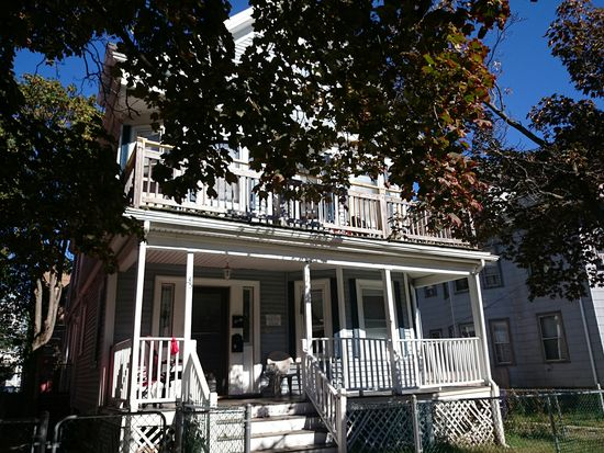 35 Larchmont St, Dorchester Center, MA 02124