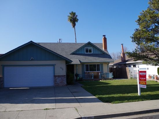 373 Trinity Dr, Vacaville, CA 95687