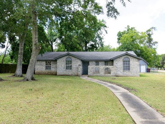 327 Four Oaks St, Richwood, TX 77531