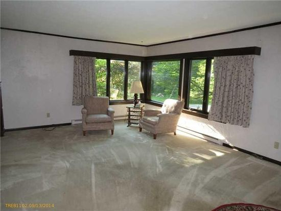 70 Country Club Rd, Manchester, ME 04351