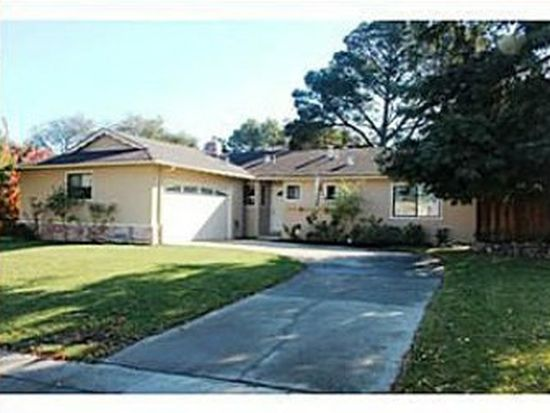 167 Highland Oaks Dr, Los Gatos, CA 95032