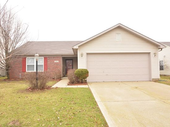 18847 Prairie Crossing Dr, Noblesville, IN 46062