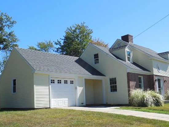 25 Wood St, Nashua, NH 03064