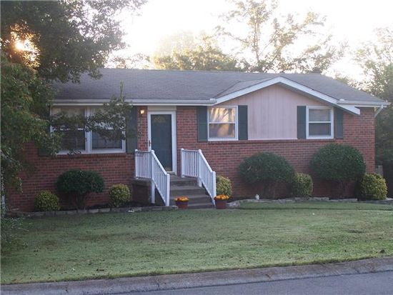 2824 Galesburg Dr, Nashville, TN 37217