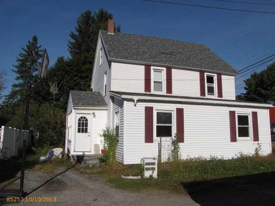 32 Oakland St, Waterville, ME 04901