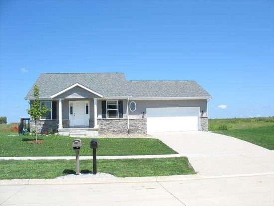 299 Radcliffe Dr, North Liberty, IA 52317