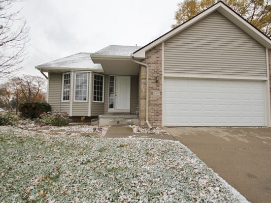 655 SE 55th St, Pleasant Hill, IA 50327