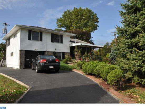 600 Wynnbrook Rd, Secane, PA 19018