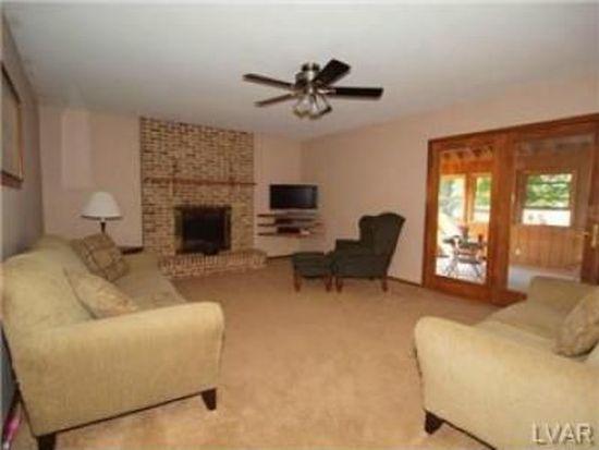 8660 Hensingersville Rd, Macungie, PA 18062
