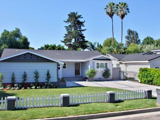 23214 Mariano St, Woodland Hills, CA 91367