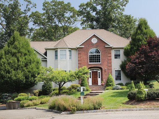 100 Grover Ln W, West Caldwell, NJ 07006