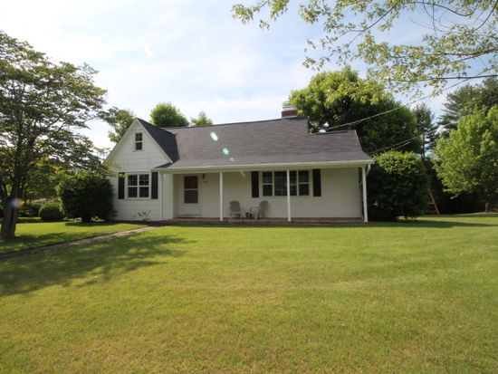 1203 Wildwood Rd NE, Lenoir, NC 28645