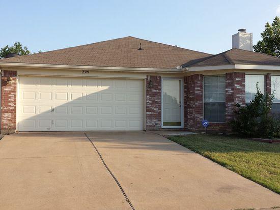 2309 Kelton St, Fort Worth, TX 76133