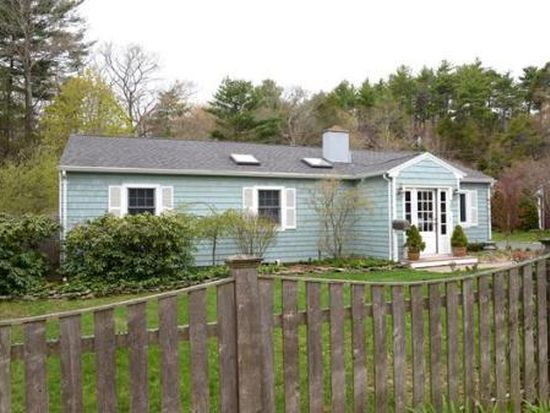 32 Old Essex Rd, Manchester, MA 01944