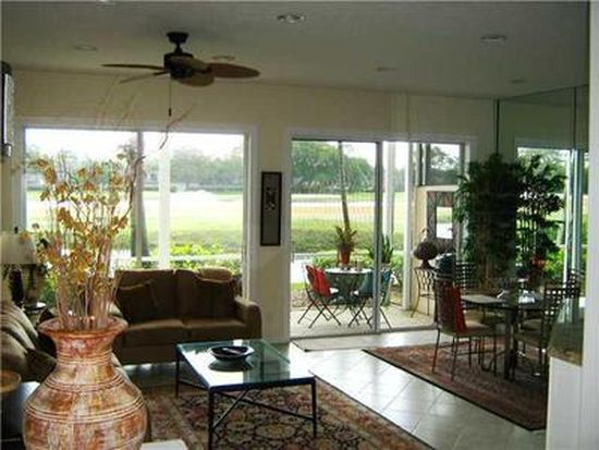 201 Resort Ln, Palm Beach Gardens, FL 33418