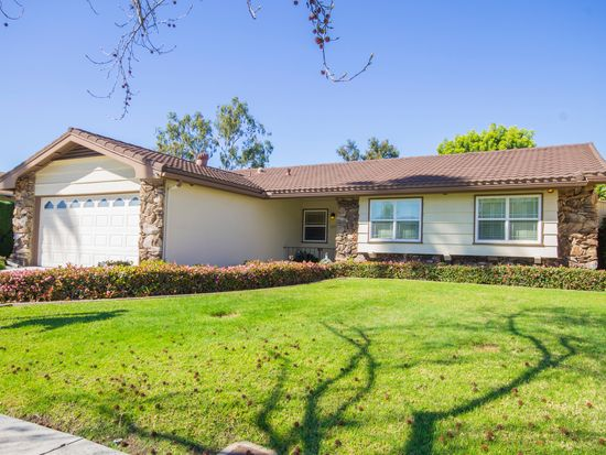5866 Cowles Mountain Blvd, La Mesa, CA 91942
