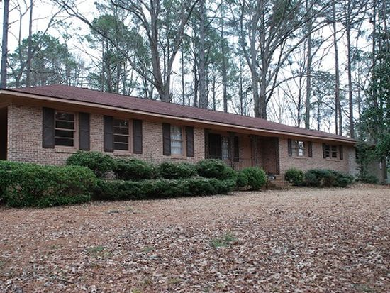 631 Woodland Dr, Sandersville, GA 31082