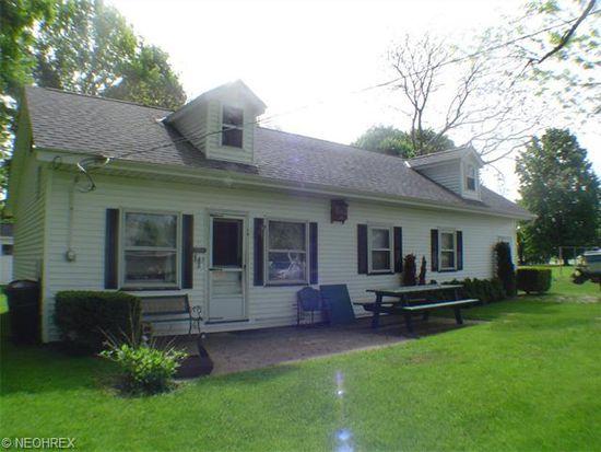 1484 Lake Rd, Conneaut, OH 44030