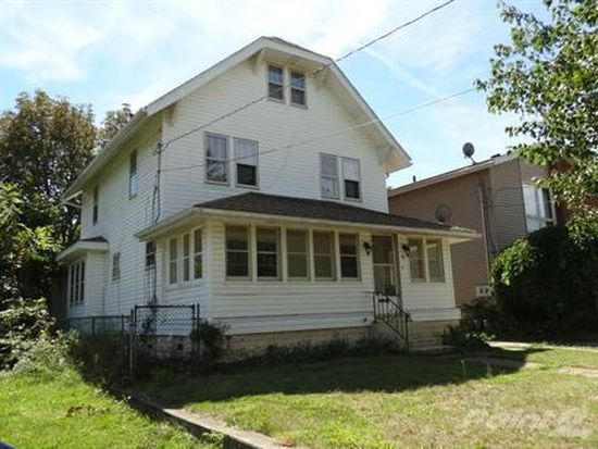 36 E Mapledale Ave, Akron, OH 44301