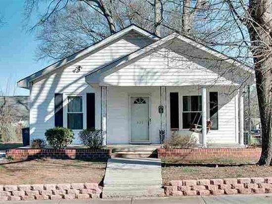 403 S Walnut St, Seneca, SC 29678
