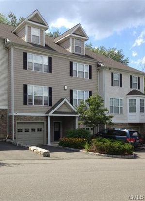 13 Woodcrest Ln UNIT 13, Danbury, CT 06810