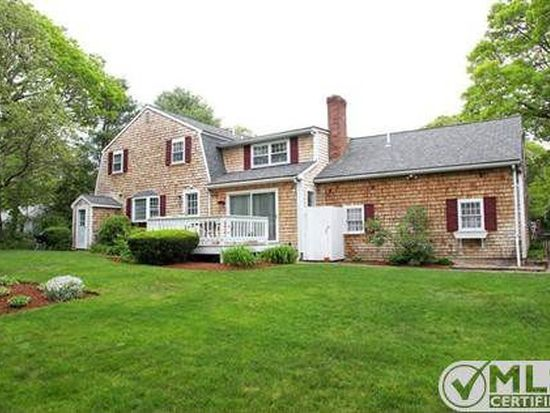 107 Robbins St, Osterville, MA 02655