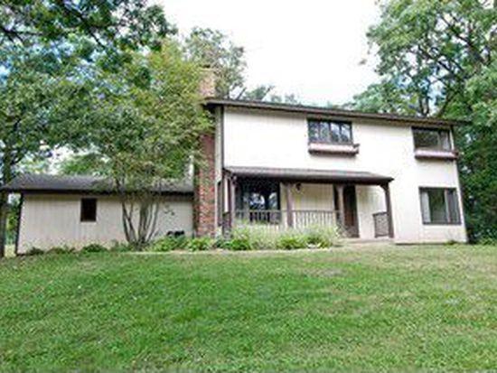 6N288 Fair Oaks Dr, Saint Charles, IL 60175