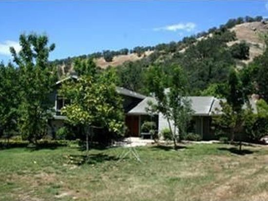 37730 Barberry Ln, Squaw Valley, CA 93675