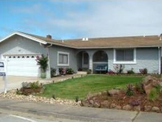 422 Kehoe Ave, Half Moon Bay, CA 94019