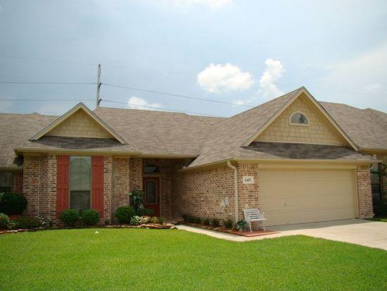 8485 Oak Brook Dr, Beaumont, TX 77706