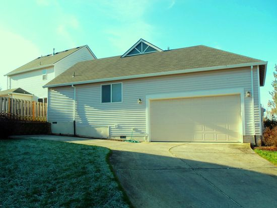 39212 Cascadia Village Dr, Sandy, OR 97055