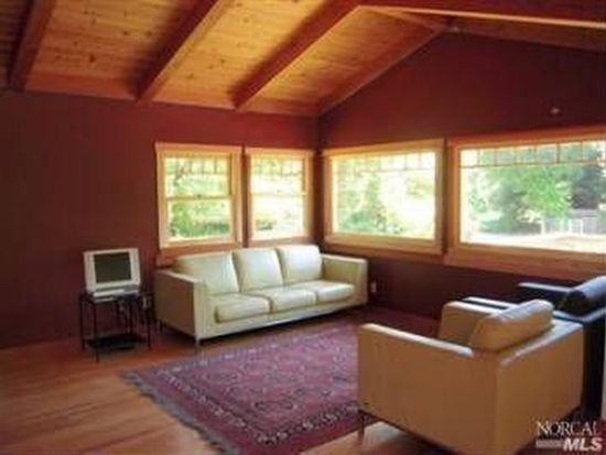 11 Tomasini Canyon Rd, Point Reyes Station, CA 94956