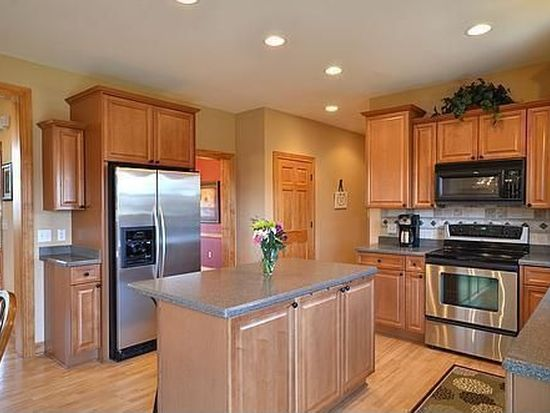 W232N7954 Nesting Ct, Sussex, WI 53089