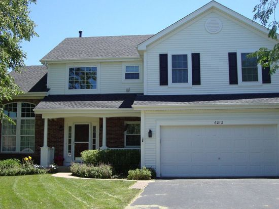 6012 Sanders Ct, Carpentersville, IL 60110