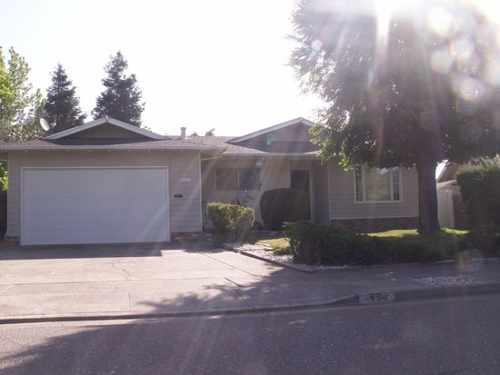 1454 Cambridge St, Novato, CA 94947