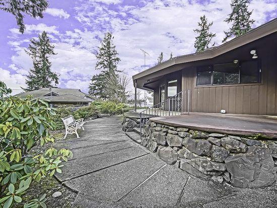 6 Thornewood Ln SW, Tacoma, WA 98498