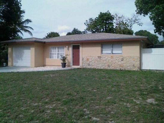 4847 Gloucester Ct, Fort Myers, FL 33907