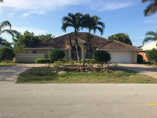 9816 Alhambra Ln, Bonita Springs, FL 34135