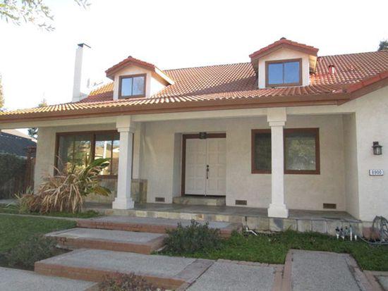8900 Rancho Hills Dr, Gilroy, CA 95020