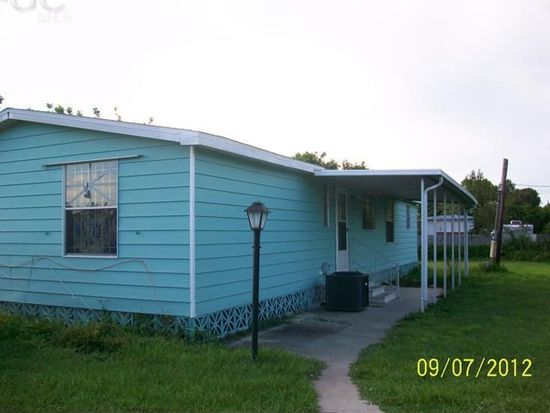8125 Heck Dr, North Fort Myers, FL 33917