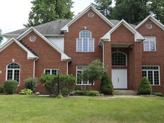 11385 Woods Bay Ln, Indianapolis, IN 46236