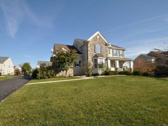 851 Ramblewood Dr, Easton, PA 18040